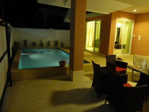 บ้านหัวหิน พร้อมสระว่ายน้ำ HS 129