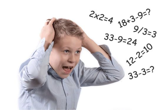 Schüler der Mittelstufe braucht dringend Mathe-Nachhilfe, weil er verschiedene Aufgaben nicht lösen kann